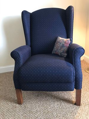 Reclining chair for Sale in Norfolk, VA