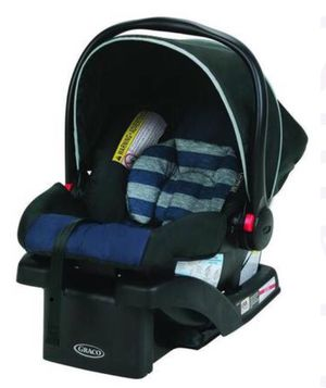 Graco SnugRide Click Connect 30 Infant Car Seat with base for Sale in Ellicott City, MD