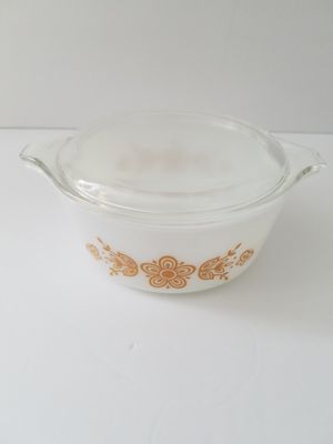 Vintage Pyrex Gold Butterfly #1 1 1/2 quart baking dish for Sale in San Diego, CA