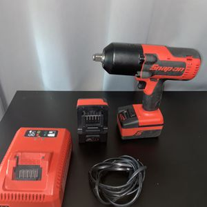 Snap On Impact Wrench 13mm With Extra Battery And Charger for Sale in Brooklyn, NY