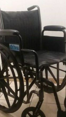 "DRIVE SILVER SPORT II WHEELCHAIR 18"" WIDTH... for Sale in Long Beach,  CA"