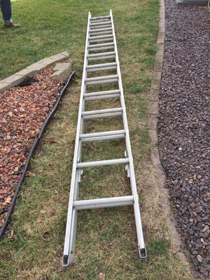 28 ft Aluminum Extension Ladder for Sale in Normal, IL
