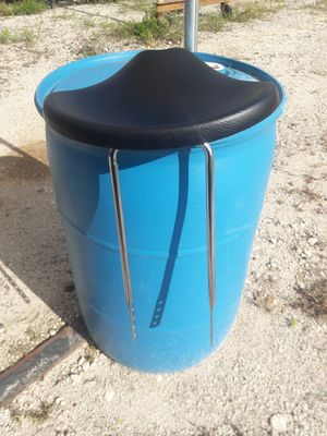 New Schwinn 3 Wheel Bike Seat cost $75.00 .Asking $45.00 for Sale in Okeechobee, FL