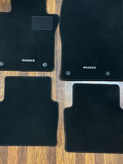 2020 Mazda 3 Floor Mats - Full set for Sale in Renton,  WA