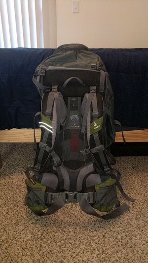 Deuter Futura Vario 60 + 10 backpacking backpack for Sale in Tempe, AZ