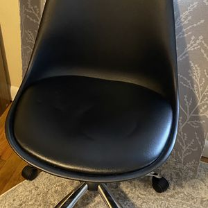 Basic Black Office Chair for Sale in Seattle, WA