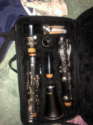 Lightly used clarinet with case for Sale in Mesquite, TX