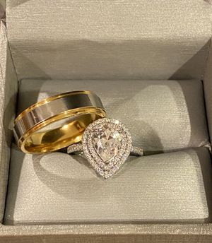 Stamped 925 Sterling Silver and 18K Gold plated Shiny Ring Set- Code VT1001 for Sale in Indianapolis, IN