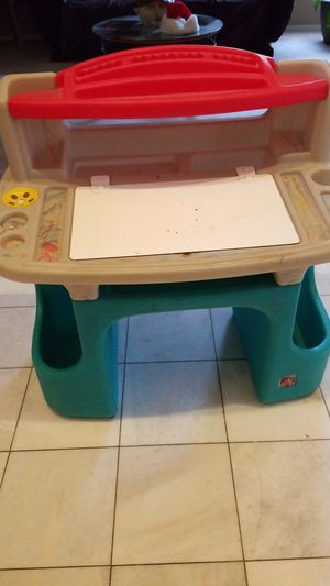 Step 2 art desk for Sale in Corona, CA