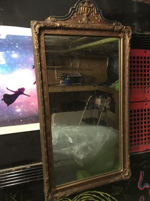 Antique mirror for Sale in Chelsea, MA
