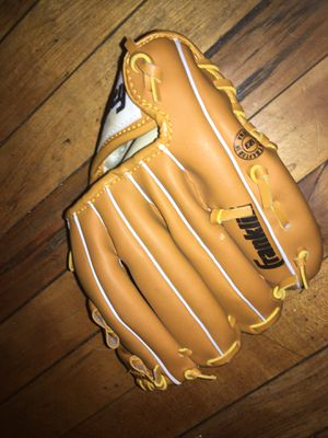 Youth baseball glove for Sale in Worcester, MA