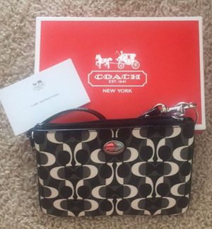 New coach wallet / wristlet for Sale in Broomfield, CO