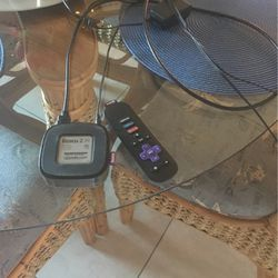Roku 2 Box with remote and ready to plug into Tv cords for Sale in Cape Coral,  FL