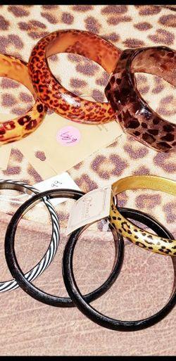 Lot of 7 UNIQUE / TRENDY Bangle Bracelets for Sale in Gulf Shores,  AL