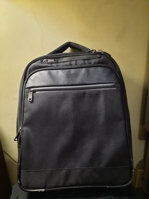 KENNETH COLE REACTION LAPTOP BACKPACK for Sale in Columbus, OH