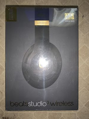 Beats studio 3 wireless ( Black and Gold) for Sale in San Diego, CA