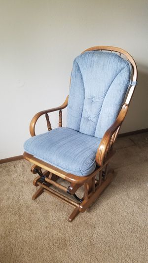 Rocking chair for Sale in Brookings, SD