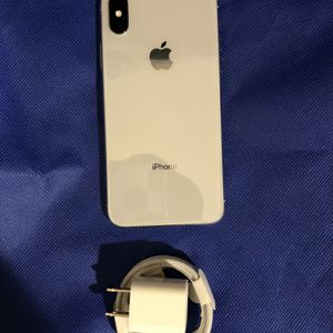 64Gb Silver iPhone X - Factory Unlocked. for Sale in Brooklyn, NY