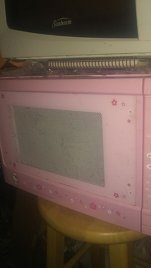 Hello Kitty microwave,pink,works great,nice collectable. for Sale in Brown City, MI