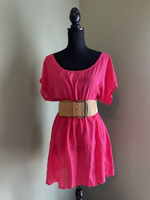 Hot pink summer dress with keyhole back (with or without belt) for Sale in Bristow, VA