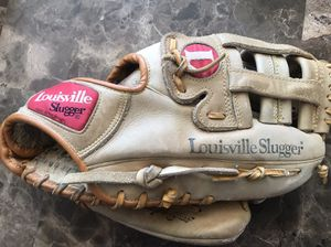 Louisville Slugger TPX GTPX-19 Tournament Players Series 11.5Inch Steerhide Baseball Glove. for Sale in Carpentersville, IL