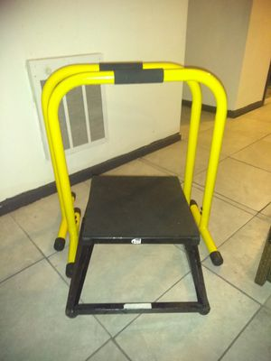 Workout equipment for Sale in Pompano Beach, FL