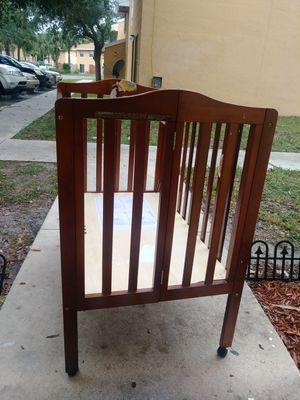 Small Baby crib for Sale in Palm Beach Gardens, FL