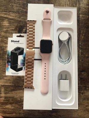 Apple Watch Series 4 40mm for Sale in Starkville, MS