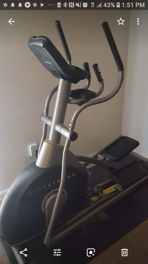 Elliptical LIVESTRONG for Sale in Rockville, MD