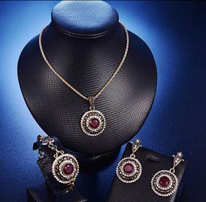 Turkish Crystal Wedding Jewelry Set!!💎💎 for Sale in Las Vegas, NV