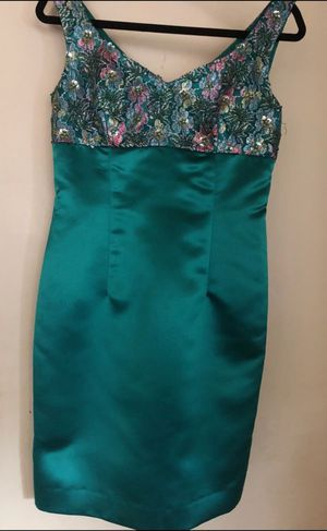 Dona Morgan Emerald Green Embroidered Dress for Sale in Rolling Hills Estates, CA