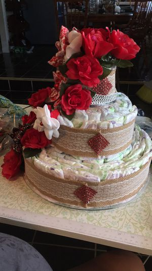 Diaper cakes / pasteles de pamper for Sale in Visalia, CA