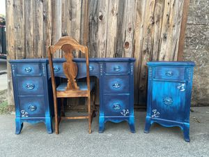 MODERNIZED COLONIAL DESK/ VANITY & END TABLE SET for Sale in Rancho Cordova, CA