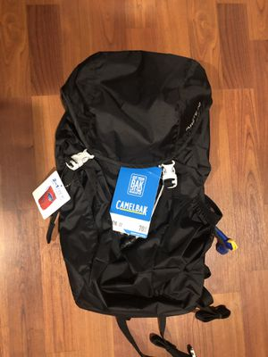 CamelBak Arete 22 Hydration Pack 70 oz for Sale in Buena Park, CA