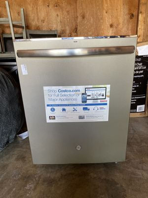 50% OFF // OPEN BOX NEVER USED // GE Top Control Dishwasher with Hidden Controls and Stainless Steel Interior for Sale in Deerfield Beach, FL