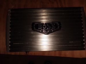 Amplificador Boss 3000 wats clase D for Sale in Baltimore, MD