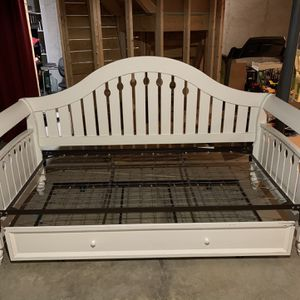 Twin Day Bed with Trundle for Sale in Channahon, IL