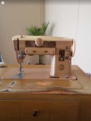 Vintage Singer Sewing Machine for Sale in San Angelo, TX