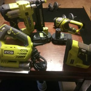 Ryobi 4pcs power tool set wit (Nail gun, jigsaw, flashlight,sander,TWO 18v lithium batteries for Sale in Oklahoma City, OK