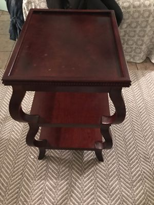 """Beautiful end table in excellent condition 27"""" h 18.5 w 15.5 d for Sale in New York, NY"""