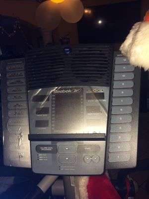 Self-powered Reebok RL1500 elliptical. Practically new. (Still with plastic protectors for Sale in Miami, FL
