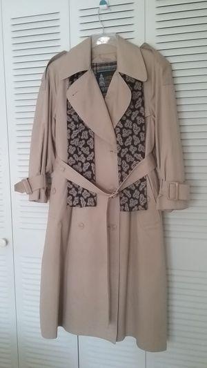 Coat LONDON FOG Beautiful Ladies Petite 4 Lined for Sale in Fort Lauderdale, FL