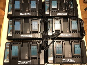 Six makita dual fast chargers for Sale in Castro Valley, CA