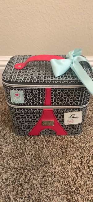 American Girl Grace Thomas Paris Eiffel Tower Travel Storage Case for Girls for Sale in Stockton, CA