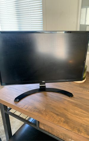Like new computer monitor screen LG 24ud58-b for Sale in San Diego, CA