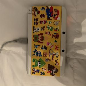 New Nintendo 3DS with Pokémon Moon & Mario 3D Maker for Sale in Miami, FL