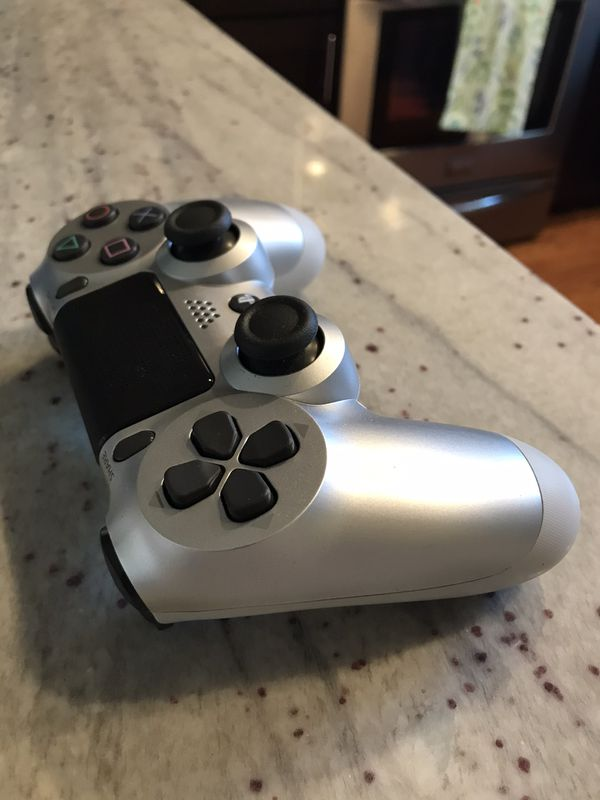 Silver PS4 Wireless Controller