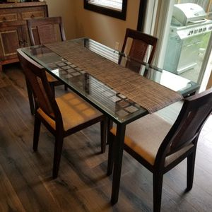 Lovely Glass and Metal Dining Table with 4 Chairs for Sale in Bothell, WA