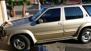 99 Infiniti QX4 Random parts for Sale in Fresno, CA