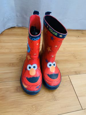 Super cute Elmo unisex kids rain boots-size 8! for Sale in Queens, NY